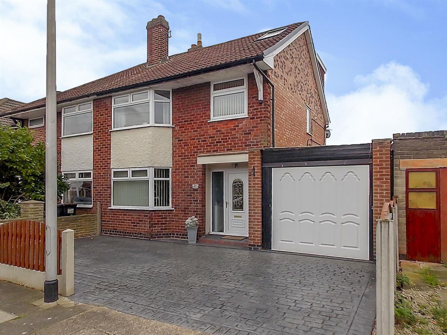 4 Bedrooms Semi Detached House for sale in Bispham Drive, Toton